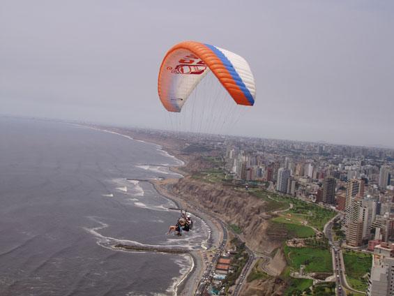 Los mejores lugares para practicar parapente en Lima