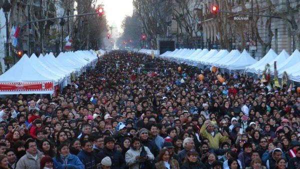 Más de 180 mil peruanos obtuvieron su residencia en Argentina