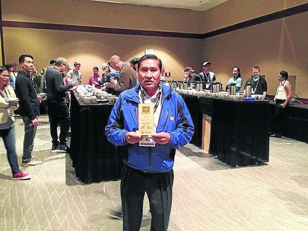 Raúl Mamani con esfuerzo y dedicación ha colocado al café de Puno como el Mejor del Mundo