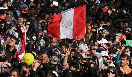 La numerosa colonia peruana en Chile pronto  tendrá su propio equipo de fútbol
