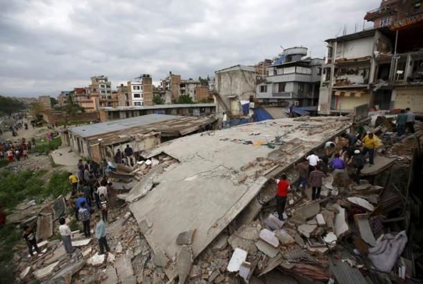 Una fuerte réplica en Katmandú retrasó la evacuación de peruanos en Nepal