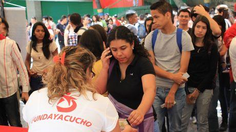 Jovenes-retroactivo-Foto-Cortesia-Fundayacucho_NACIMA20150729_0166_6